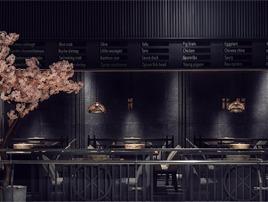 亭上草漫漫,烟雨桃花灿   蒸锅瘾餐厅