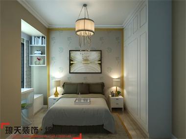 本案设计为现代简约风格,简装不简单。墙面采用一款充