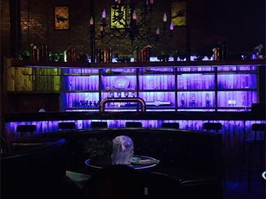酒吧卡座区实景图
