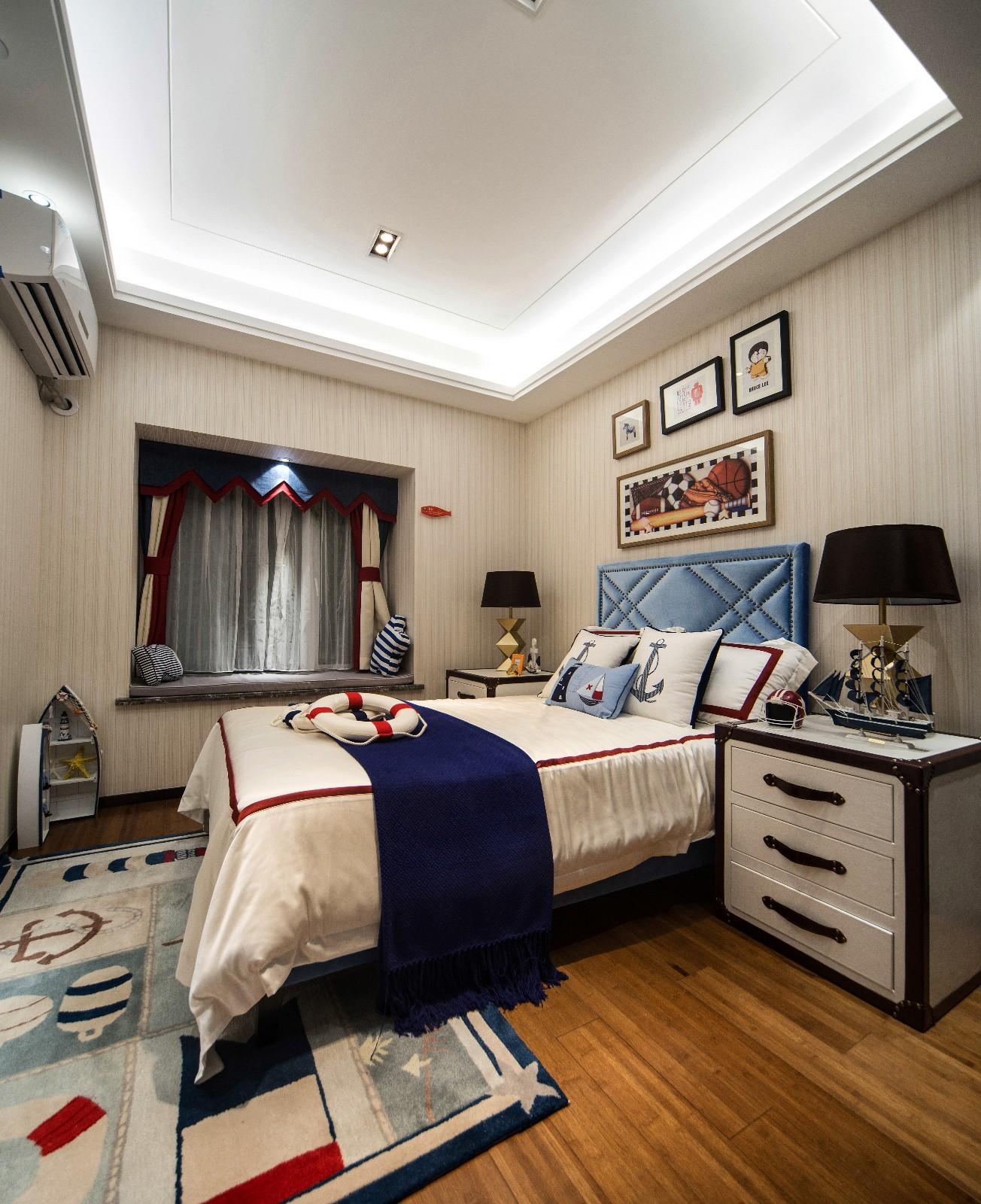简约卧室飘窗实景图