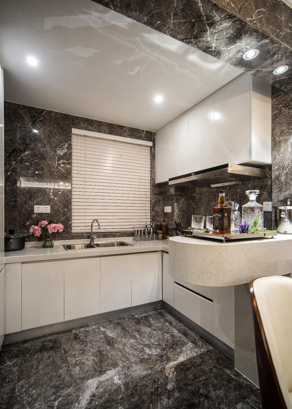 简约厨房吊顶实景图
