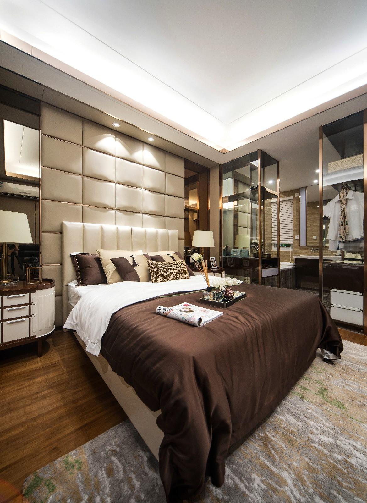 简约卧室床头软包实景图