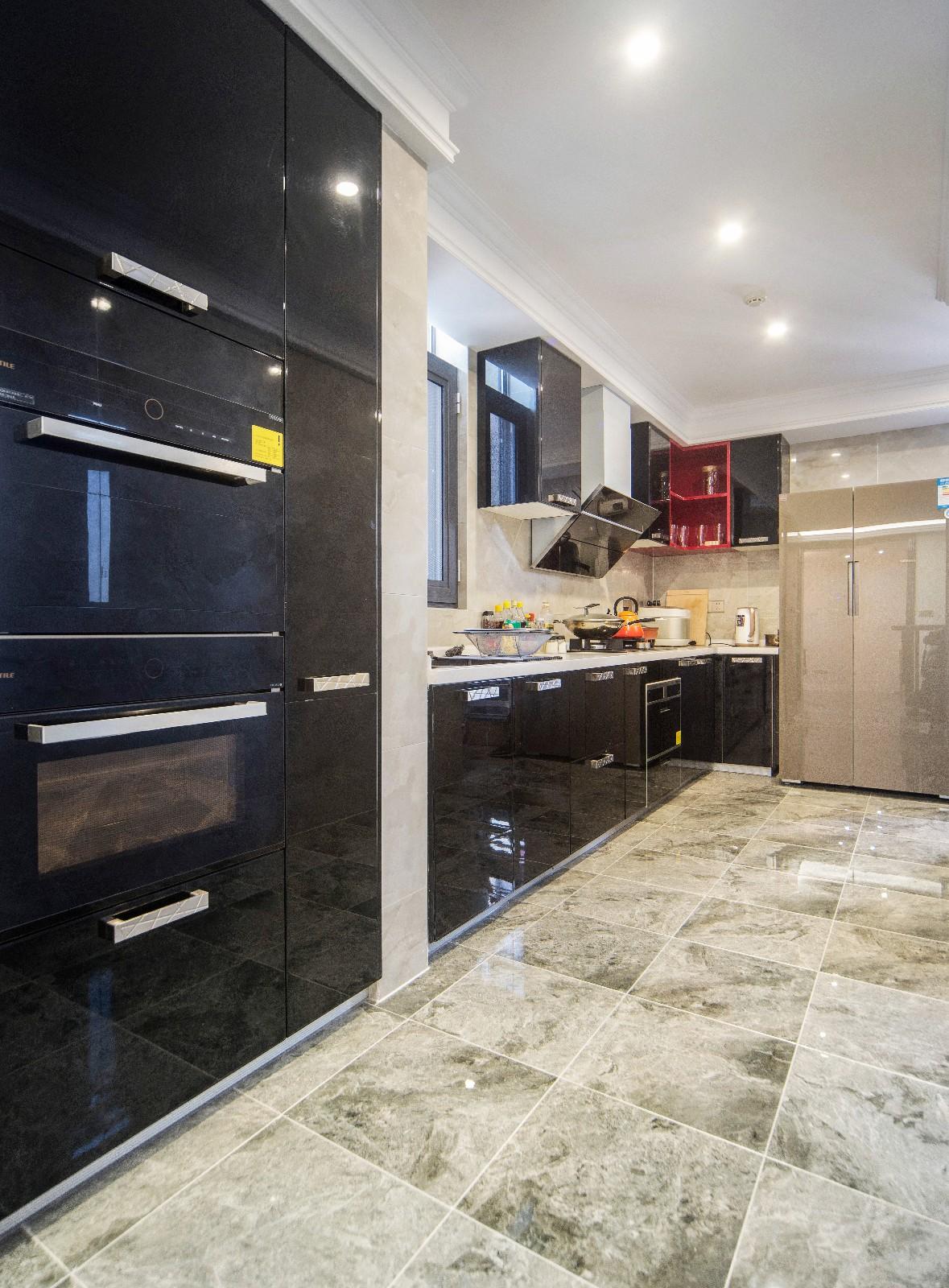 现代厨房吊顶实景图