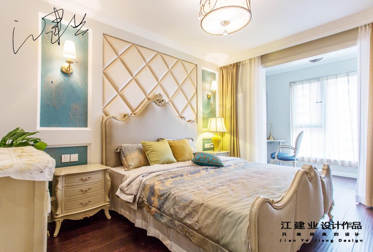 混搭卧室床头软包实景图
