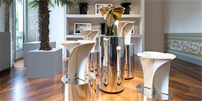 路易威登花瓣座凳米兰设计周华美绽放