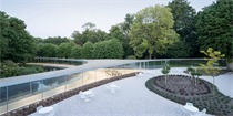 荷兰Vijversburg公园扩建,如融入自然的一弯水晶